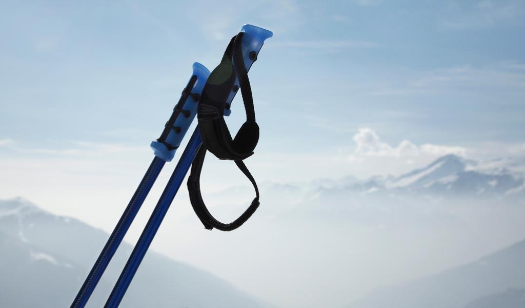 How to Store Ski Poles
